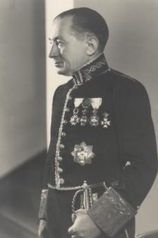 d802305330-Diplomáticos españoles durante la Segunda Guerra Mundial-Sebastián Romero Radiagales